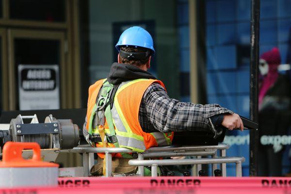 Por que equipamentos de trabalho em altura são importantes